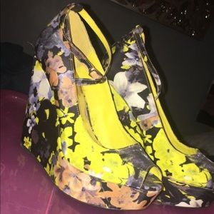 Shoes - heels size 8